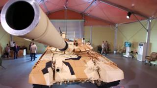 """Одна из моделей танка """"Уралвагонзавода"""" на выставке военной техники в Азербайджане"""
