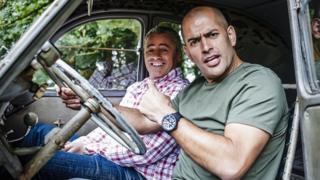 Chris Harris and Matt Le Blanc in a car