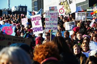 Amsterdam kadınlar yürüyüşü
