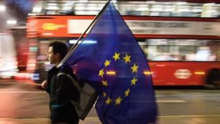آمال العمال الأجانب في بريطانيا تتحطم على صخرة بريكسيت