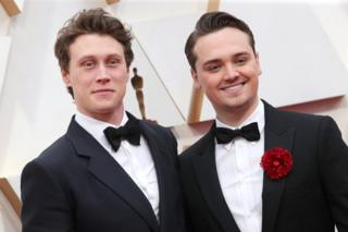 George MacKay and Dean-Charles Chapman on the red carpet