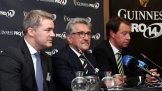 Martin Anayi, Gerald Davies a Jurie Roux