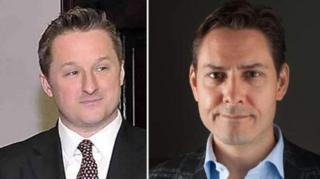مایکل کووریگ، دیپلمات کانادایی (سمت راست) و مایکل اسپاوور در چین بازداشت شدند