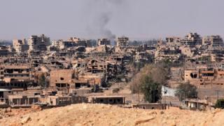 مدينة دير الزور دمرتها المعارك على مدى سنوات