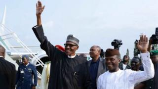 Muhammadu Buhari yasubiye muri Nigeria nyuma yo kumara igihe kirekire - mu nshuro ebyiri zitandukanye - yivuriza mu Bwongereza uyu mwaka