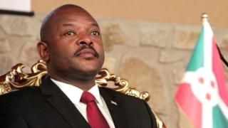 """Le CNDD-FDD, parti au pouvoir au Burundi, précise que le président Pierre Nkurunziza a été élevé au rang de """"Visionnaire""""."""