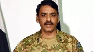 पाकिस्तानच्या लष्कराचे प्रवक्ते मेजर जनरल आसिफ गफूर