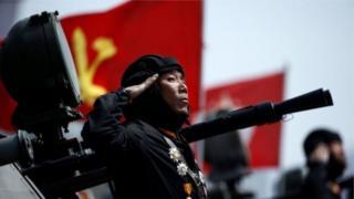 Căng thẳng dâng cao sau khi Bắc Hàn có cuộc thử tên lửa hạt nhân không thành và cuộc diễu binh hoành tráng.