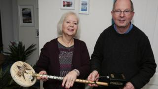 Debbie and John Newton with the metal detector
