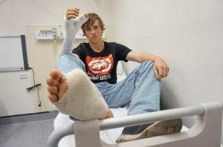 ศัลยแพทย์ออสเตรเลีย ต่อนิ้วเท้าเข้ากับมือข้างขวาให้ชายผู้นี้ได้สำเร็จ