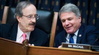 Temsilciler Meclisi'nde onaylanan yaptırım tasarısını Demokrat üye Eliot Engel (solda) ile Cumhuriyetçi üye Mitch McCaul (sağda) hazırlamıştı.