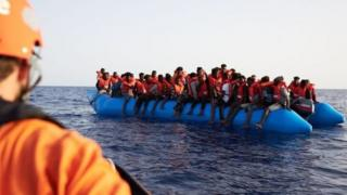 लीबिया तट के पास नाव डूबी, 150 शरणार्थियों के डूबने की आशंका