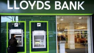 Lloyds Ban exterior