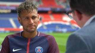 Neymar da rigar PSG