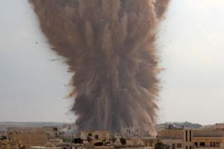 İdlib havadan bombalanmaya devam ediyor