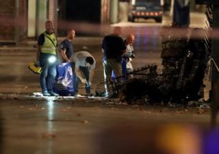 В течение ночи криминалисты собирали вещественные доказательства на месте теракта в Барселоне