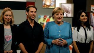 Merkel, Almanya'nın en ünlü YouTuberlarıyla bir araya geldiği röportajda soruları yanıtladı.