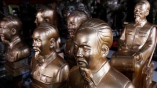 Tượng Hồ Chí Minh bán ở Hà Nội