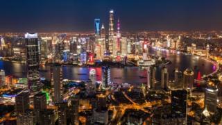 منظر لمدينة شنغهاي ليلا