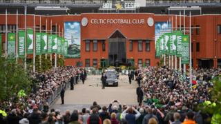 Billy McNeill funeral: Fans and football greats pay ...