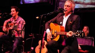Paul Weller and Kelly Jones from Stereophonics play in Abbey Road, 2009