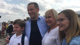 Роман Сущенко с близкими
