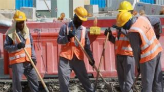 عمال أجانب في قطر