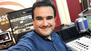 Juan Carlos Huerta, de 47 años, tenía más de 20 años conduciendo el noticiero de radio Sin Reservas.
