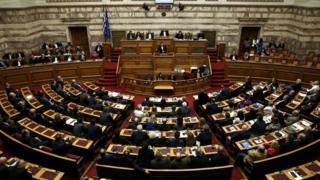 Greek parliament votes on 2016 budget