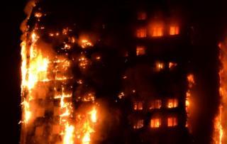La Torre Grenfell en llamas.