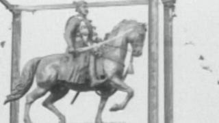 शिवाजी की मूर्ति