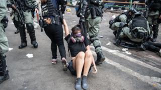 目前已经有超过6000人因为香港的示威浪潮被捕。
