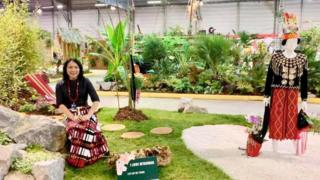 ပြင်သစ်နိုင်ငံ နန့်စ် မြို့က မြန်မာပြခန်း ဖန်တီးရှင် မလေပြေ