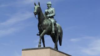 монумент Маннергейму