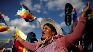 Mulher boliviana em protesto de apoio a Evo Morales
