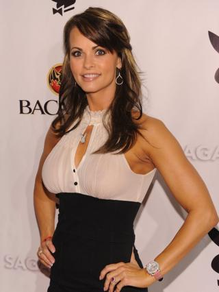 mo4ch:>Karen McDougal: Trump 'tried to pay ex-playboy model for sex' | Mo4ch News