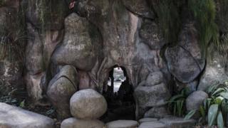 Gruta da Jardim da Luz, construída no século 19, tinha o propósito de imitar um cenário da natureza
