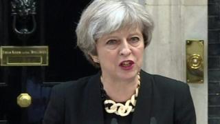 """رئيسة وزراء بريطانيا تيريزا ماي """"هزيمة الفكر المتطرف من أكبر التحديات أمامنا اليوم"""""""