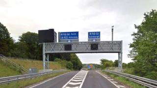 The crash happened on the A823 (M) in Fife