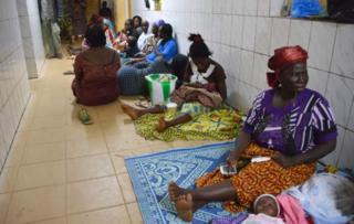 Les patients et leurs proches sont fatigués par la grève.