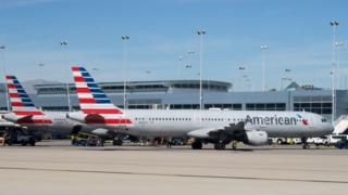 แฟ้มภาพเครื่องบินสายการบินอเมริกันแอร์ไลนส์