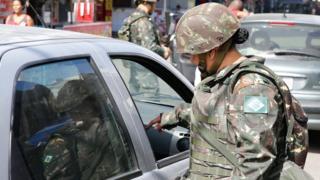 Exército em operação na favela Nova Holanda, no Complexo da Maré, em dezembro passado