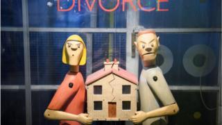 الطلاق يكسر العلاقة ويرهق الجيب
