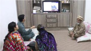 د ټلويزيون نړيواله ورځ، بېلابېلو برخو کې يې پر نړيوالېدو اغېز په زياتېدو دی، موږ پښتونخوا او پاکستان کې د ټلويزيون پر دود راپور لرو.