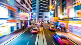 Улица с автомобилями