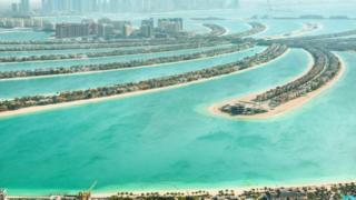 Dubai đã bồi đắp lấn biển trong nhiều năm qua.