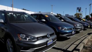 Дилер VW в Калифорнии.