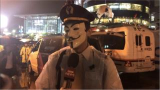 시위 참여 대한항공 기장이 BBC 코리아와 인터뷰를 하고 있다