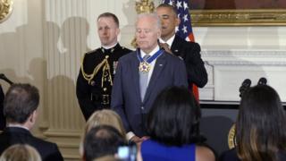 โจ ไบเดน, รองประธานาธิบดี, สหรัฐฯ, เหรียญเกียรติยศ, บารัค โอบามา, ประธานาธิบดี, พลเรือนอเมริกัน, ชั้นสูงสุด