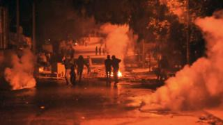 الاحتجاجات تواصلت طوال الليل